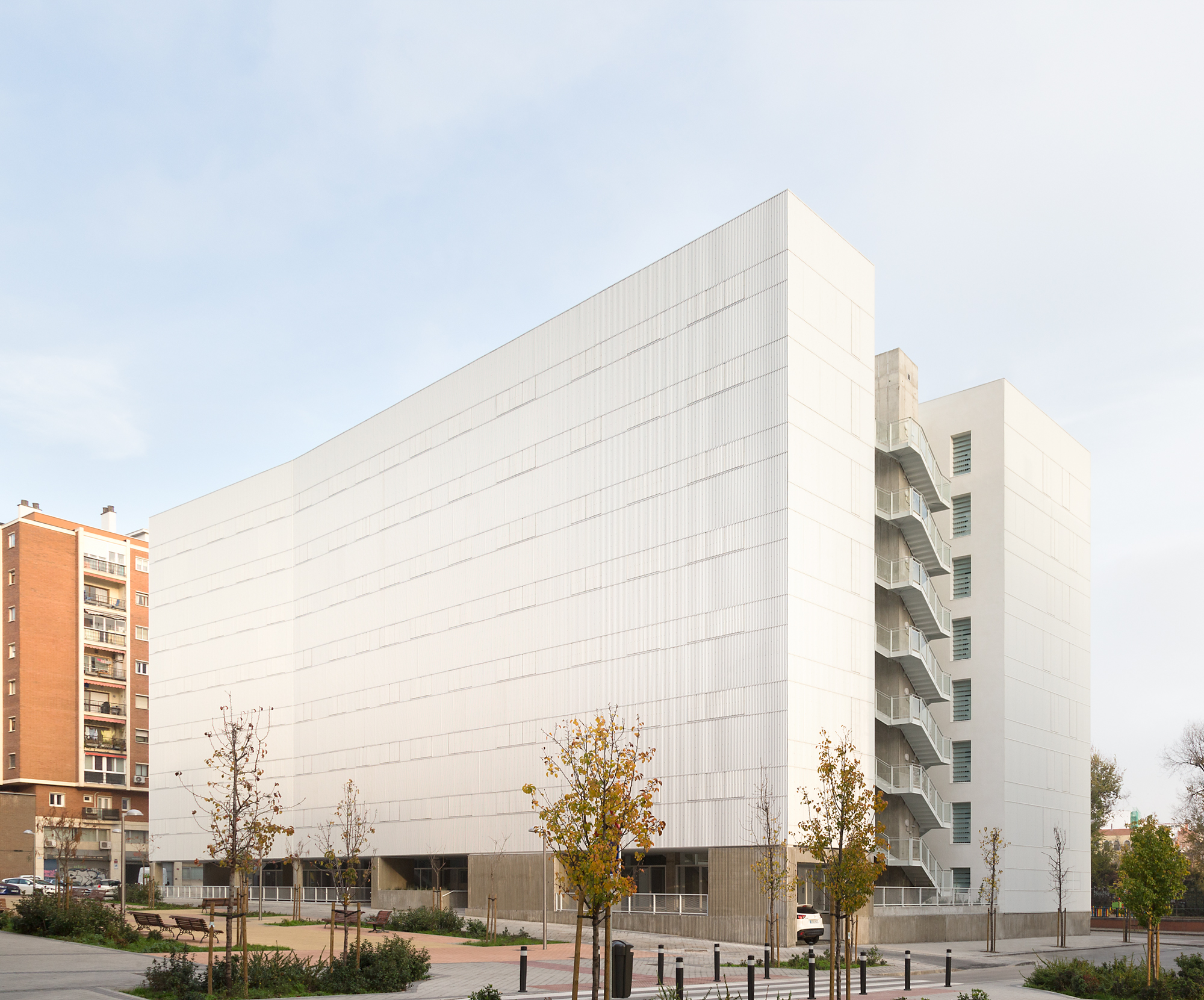 Adelfas 98 is the first collective housing project in Madrid which obtains a VERY GOOD in BREEAM rating